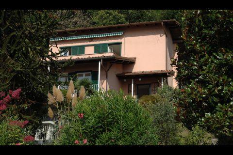 Ghiffa Einzelvilla mit privatem Garten und Seeblick