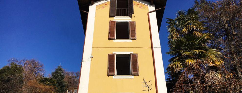 Villa in Suna mit Garten und Blick auf die Borromäischen Inseln