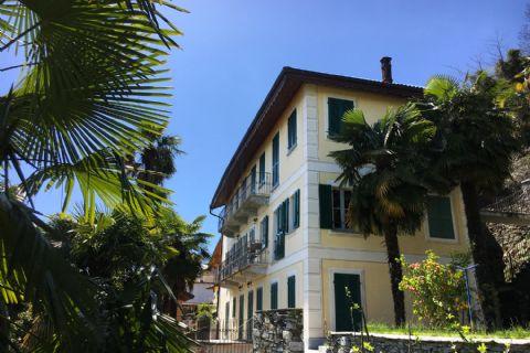 Splendido appartamento in villa storica con vista lago ad Oggebbio