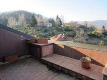 Arona - Dagnente appartamento bilocale con terrazzo e vista lago.