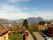 Baveno appartamento trilocale con terrazzo e vista lago.
