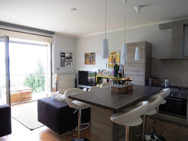 lago maggiore baveno wohnung zu verkaufen mit seeblick. Black Bedroom Furniture Sets. Home Design Ideas
