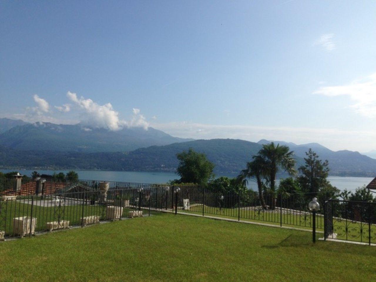 Appartamento con giardino e vista lago a Baveno