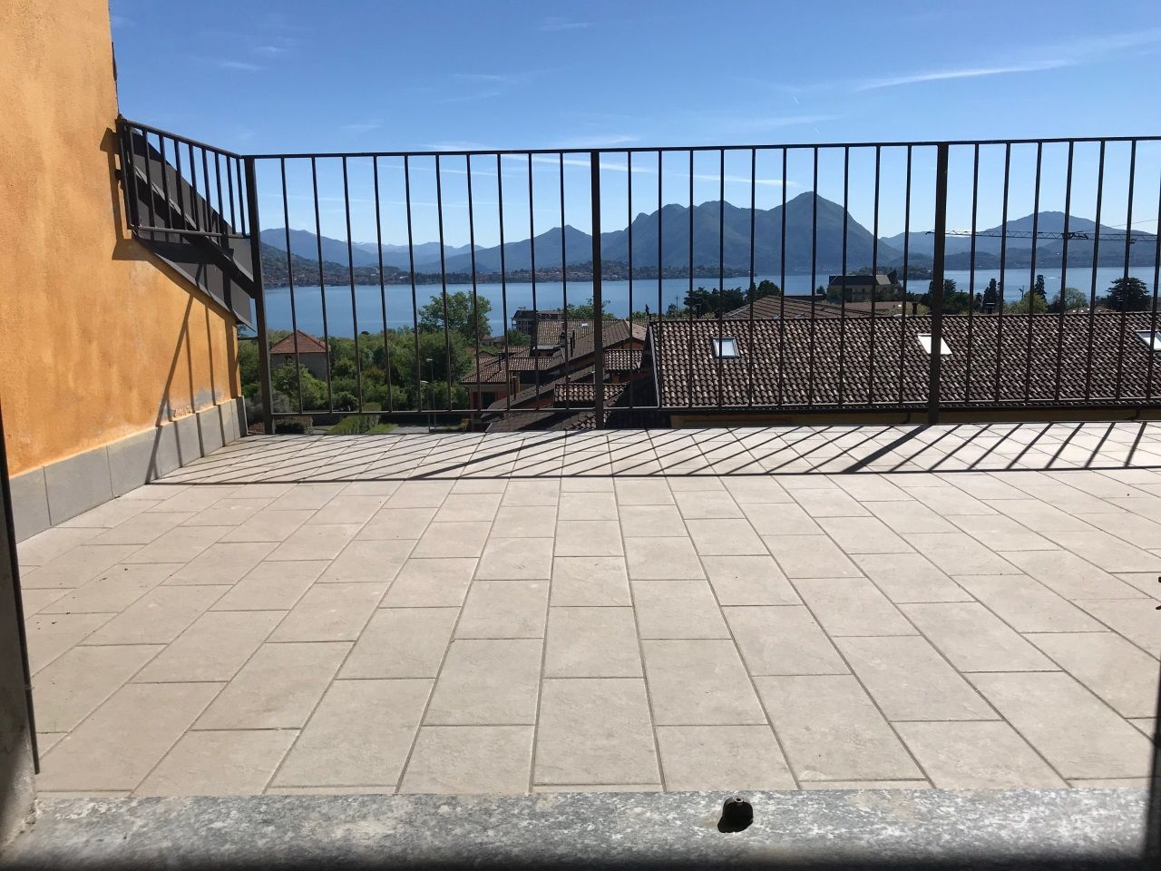 Baveno appartamento trilocale vista lago