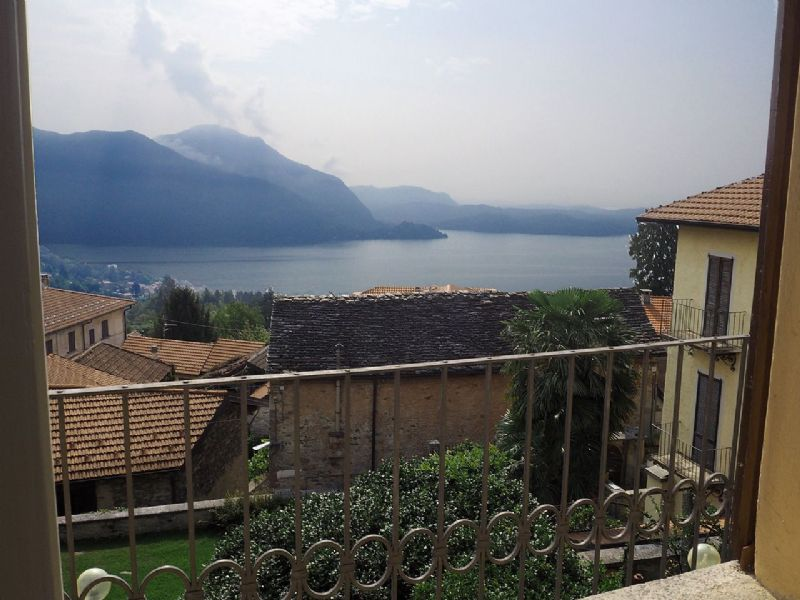 Appartamento in villa d epoca con bella vista lago