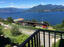 Lago Maggiore Belgirate appartamento bilocale con giardino comune