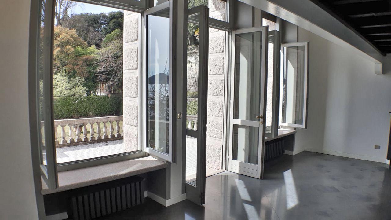 Appartamento con terrazzo vista lago a Belgirate