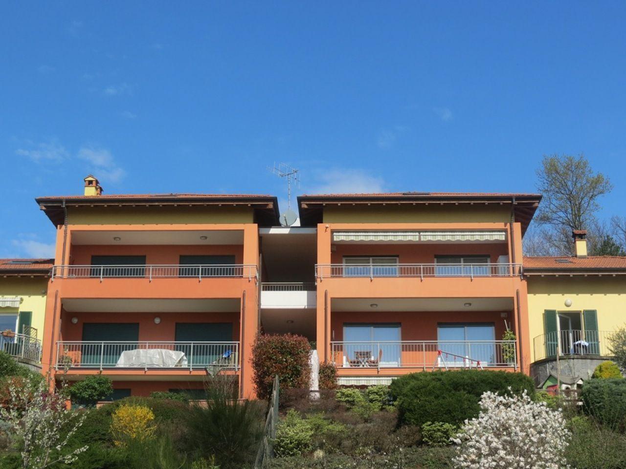 Appartamento tirlocale con terrazzo vista lago