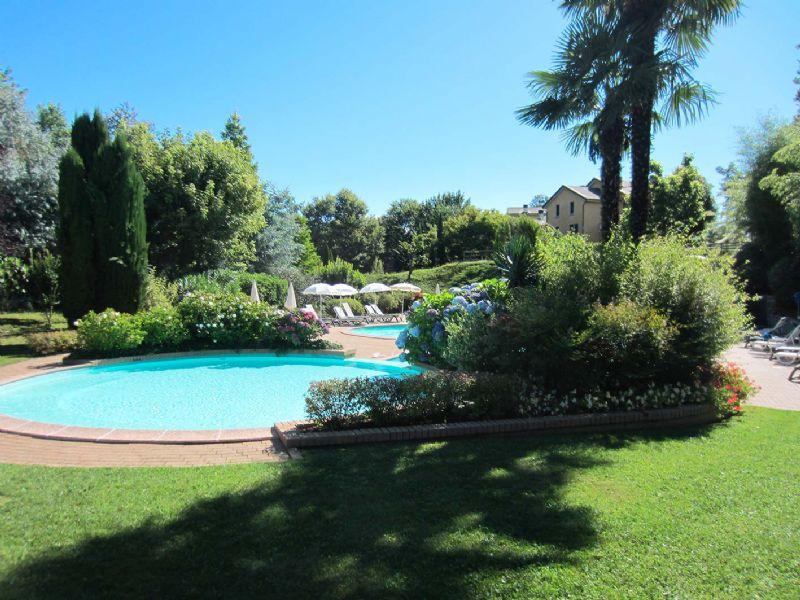Residence villa ada appartamento a ghiffa con piscina e campi da tennis - Piscina hidron campi ...