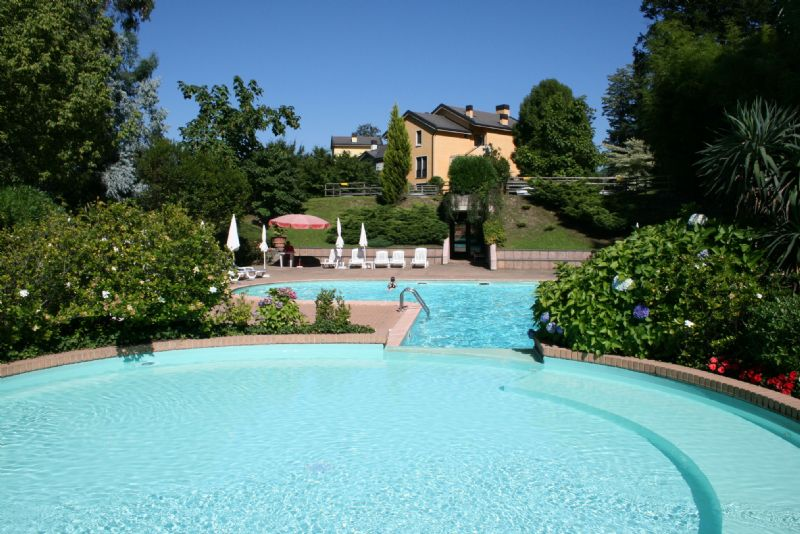 Appartamento con vista lago e piscina a ghiffa - Vendita villa con piscina genova ...