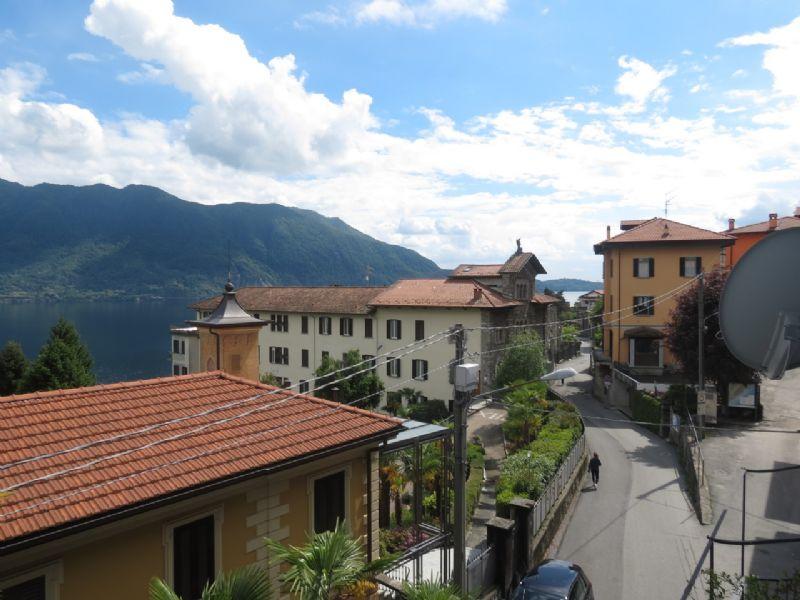 Appartamento bilocale con balcone vista lago