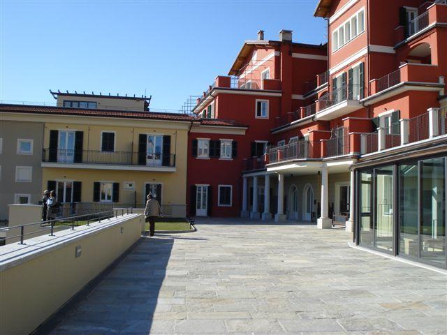 Wohnung kaufen in Ghiffa in Residenz mit Seeblick