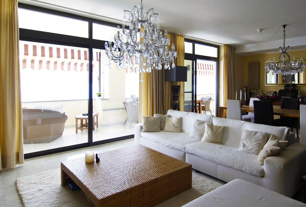 Ghiffa Appartamento quadrilocale con porto sul lago