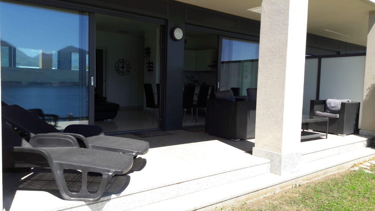 Ghiffa appartamento vista lago con garage e giardino