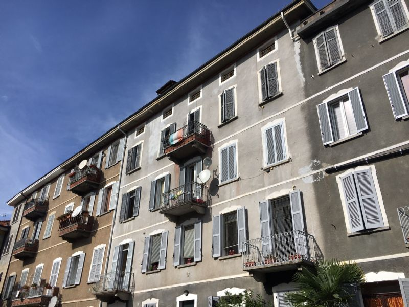 Trilocale a Verbania Intra con balcone