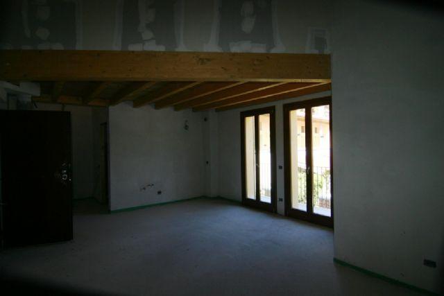 Verbania intra appartamenti ristrutturati in zona centrale for Appartamenti ristrutturati