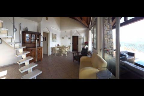 Oggebbio schoene Penthousewohnung mit Terrasse und Seeblick