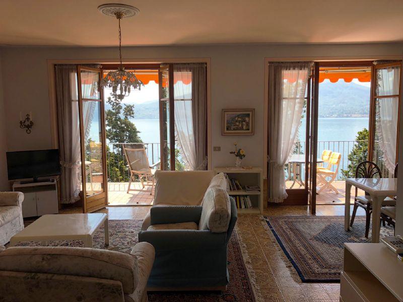 Appartamento di tre locali con terrazzo vista lago
