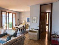 Oggebbio appartamento trilocale con terrazzo e vista lago.