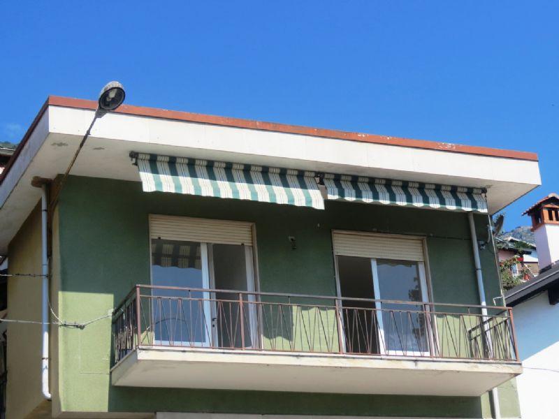 Appartamento quadrilocale con balcone vista lago