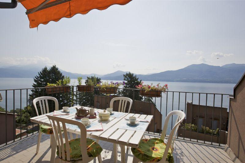 Appartamento quadrilocale con terrazzo vista lago