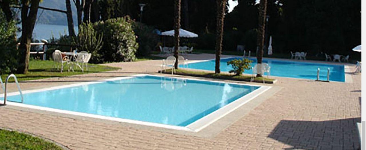 Oggebbio trilocale con terrazzo e vista lago piscina spiaggia privata