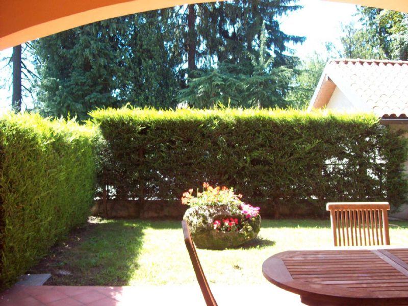 Trilocale con giardino e autorimessa a Premeno