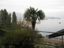 Stresa appartamento monolocale con giardino e vista lago.
