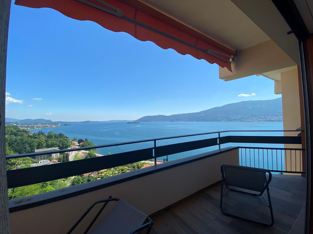 Appartamento monolocale vista lago a Verbania Suna