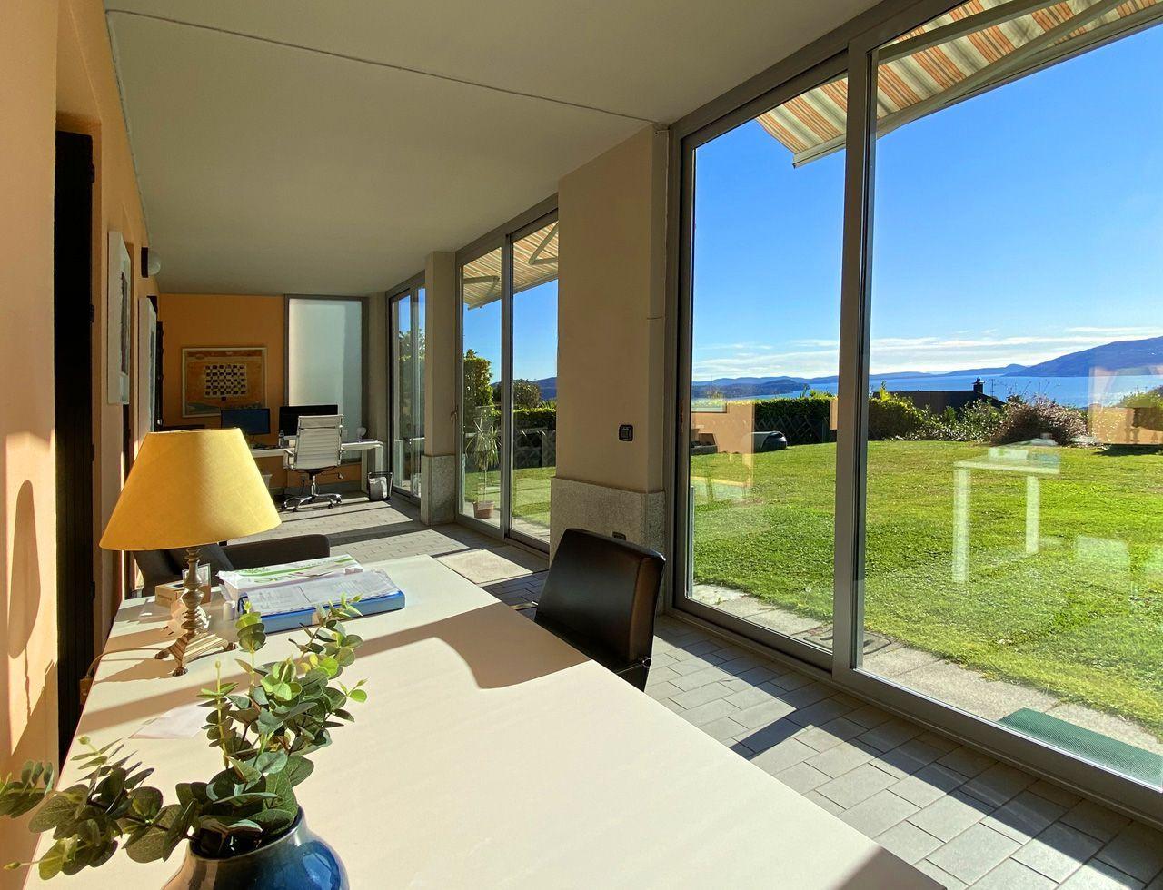 Appartamento al piano terra giardino e vista lago