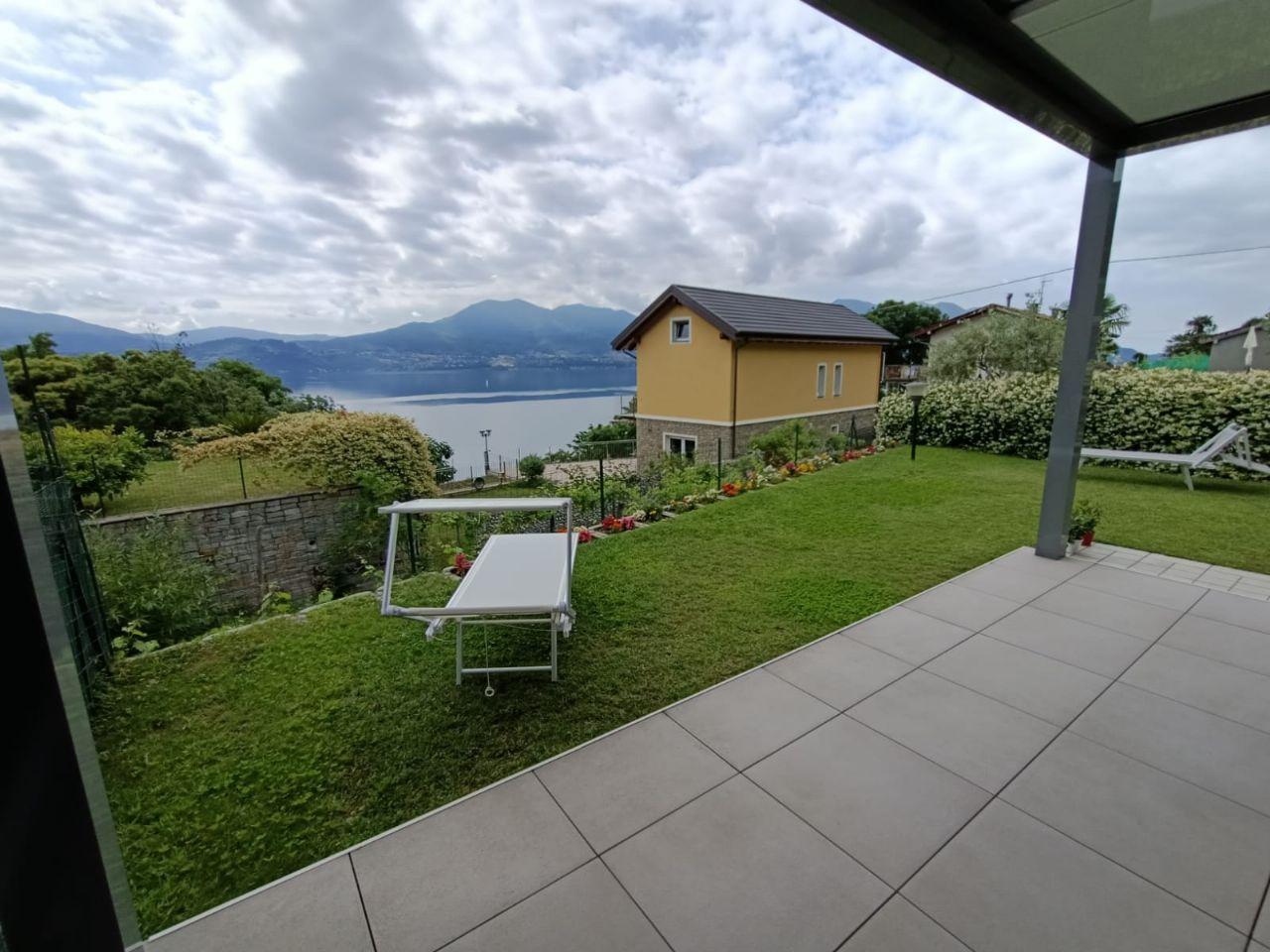 Cannero Riviera villetta bifamiliare con giardino e vista lago