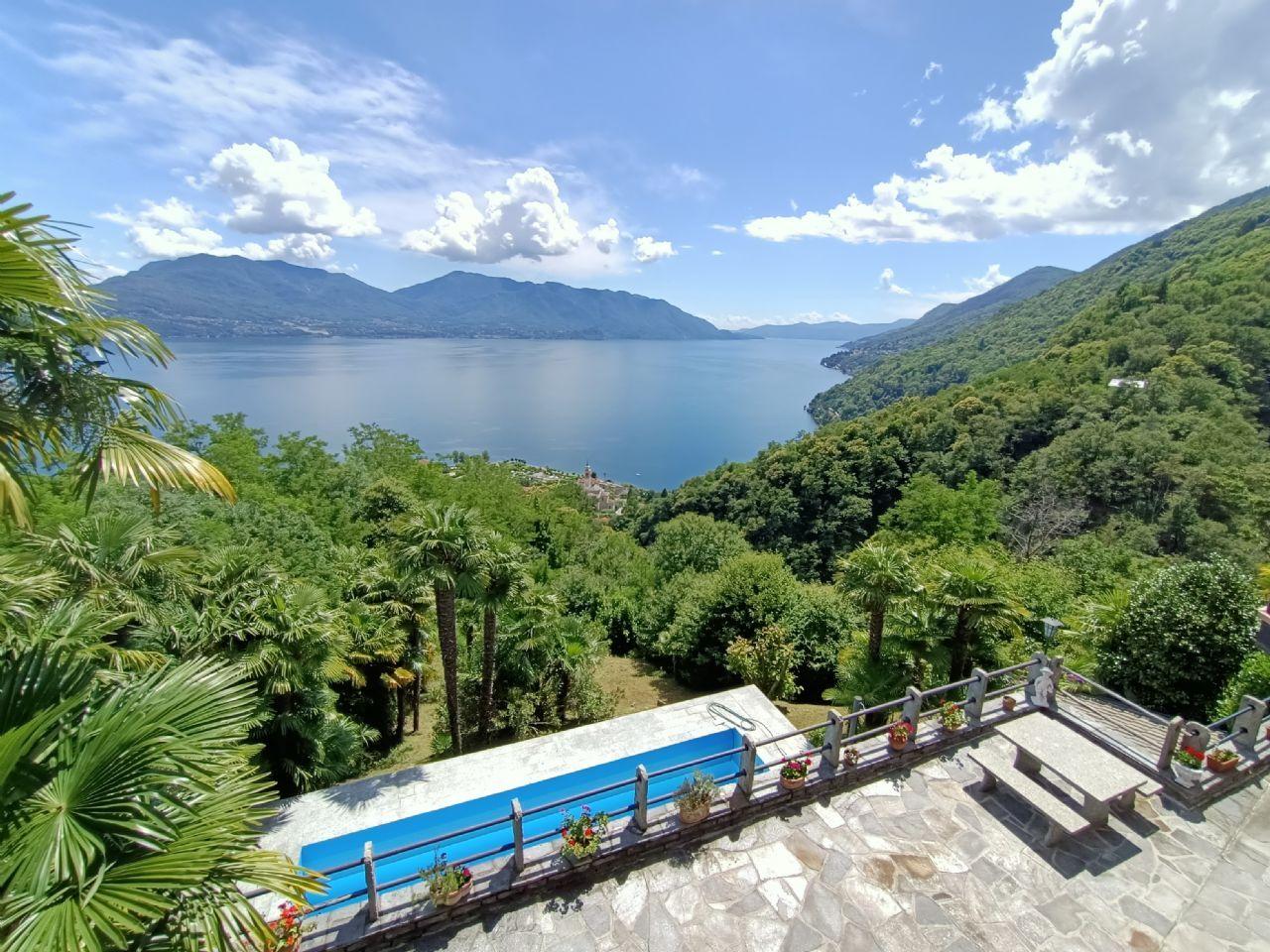Casa indipendente a Cannero Riviera vista lago