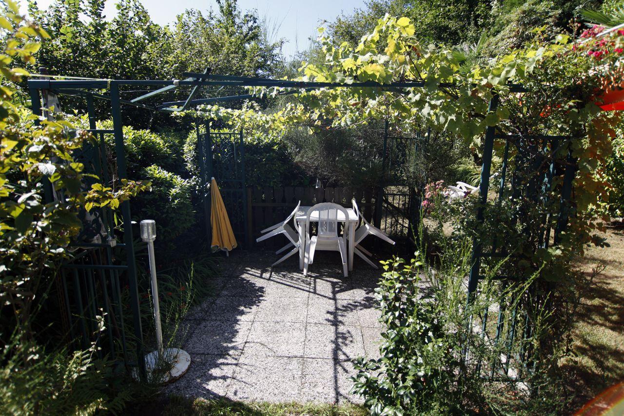 Cannobio casetta indipendente vista lago  giardino e parcheggio