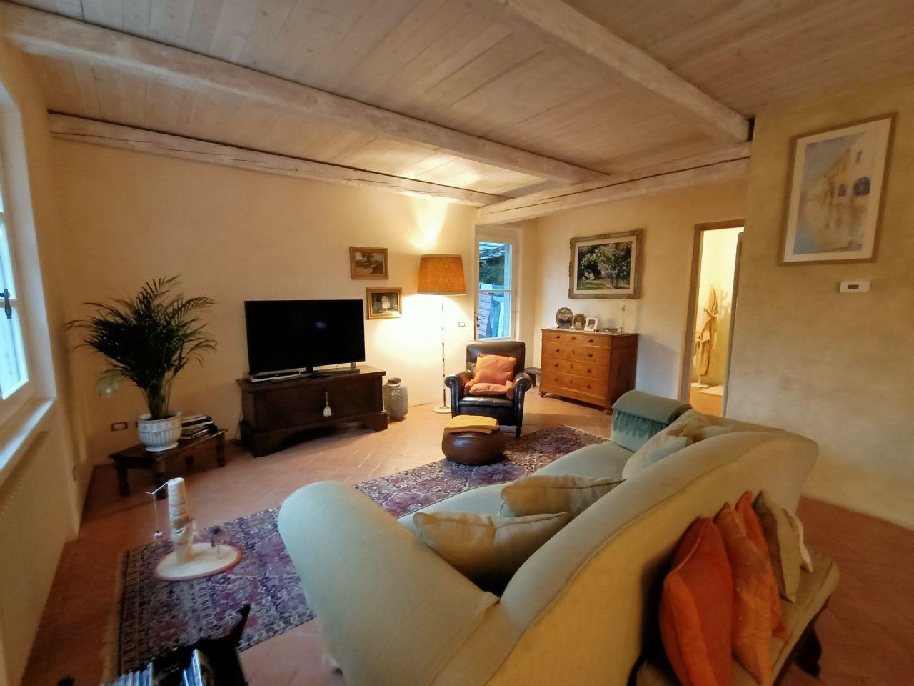 Einfamilienhaus in Ghiffa mit Garten- und Seeblick
