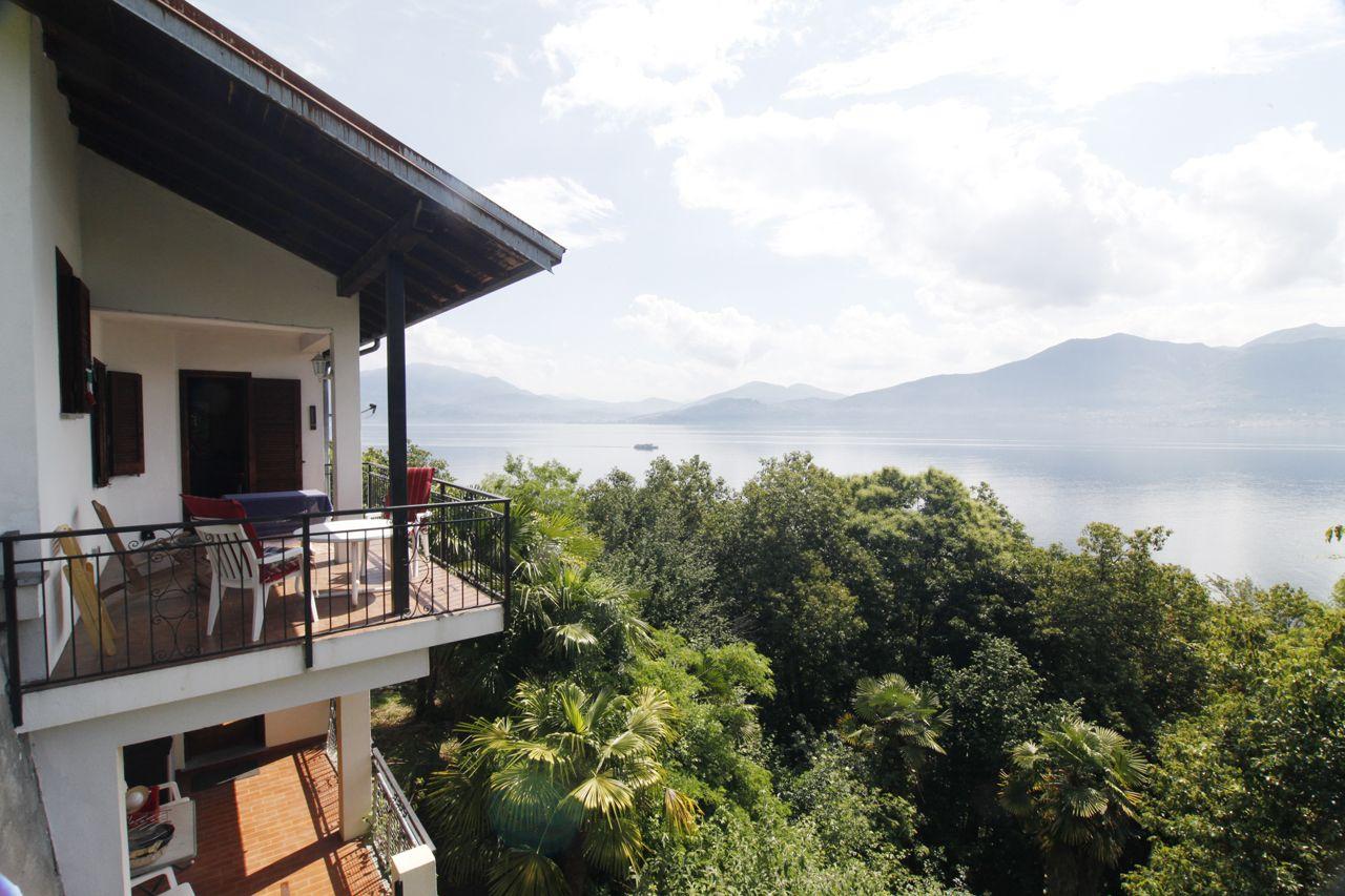 Casa indipendente con bella vista lago e giardino