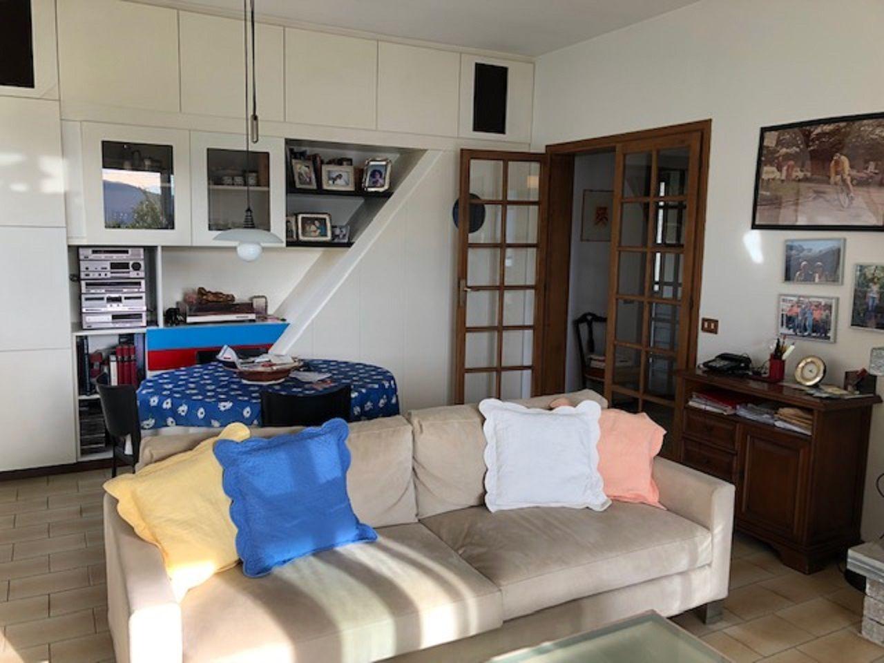Oggebbio Einfamilienhaus mit Garten- und Seeblick