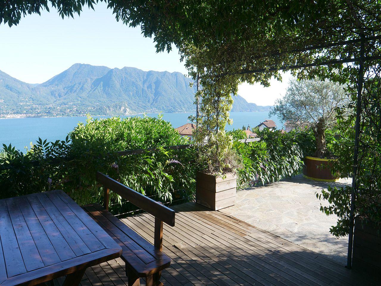 Oggebbio villetta con panoramica vista del lago e giardino