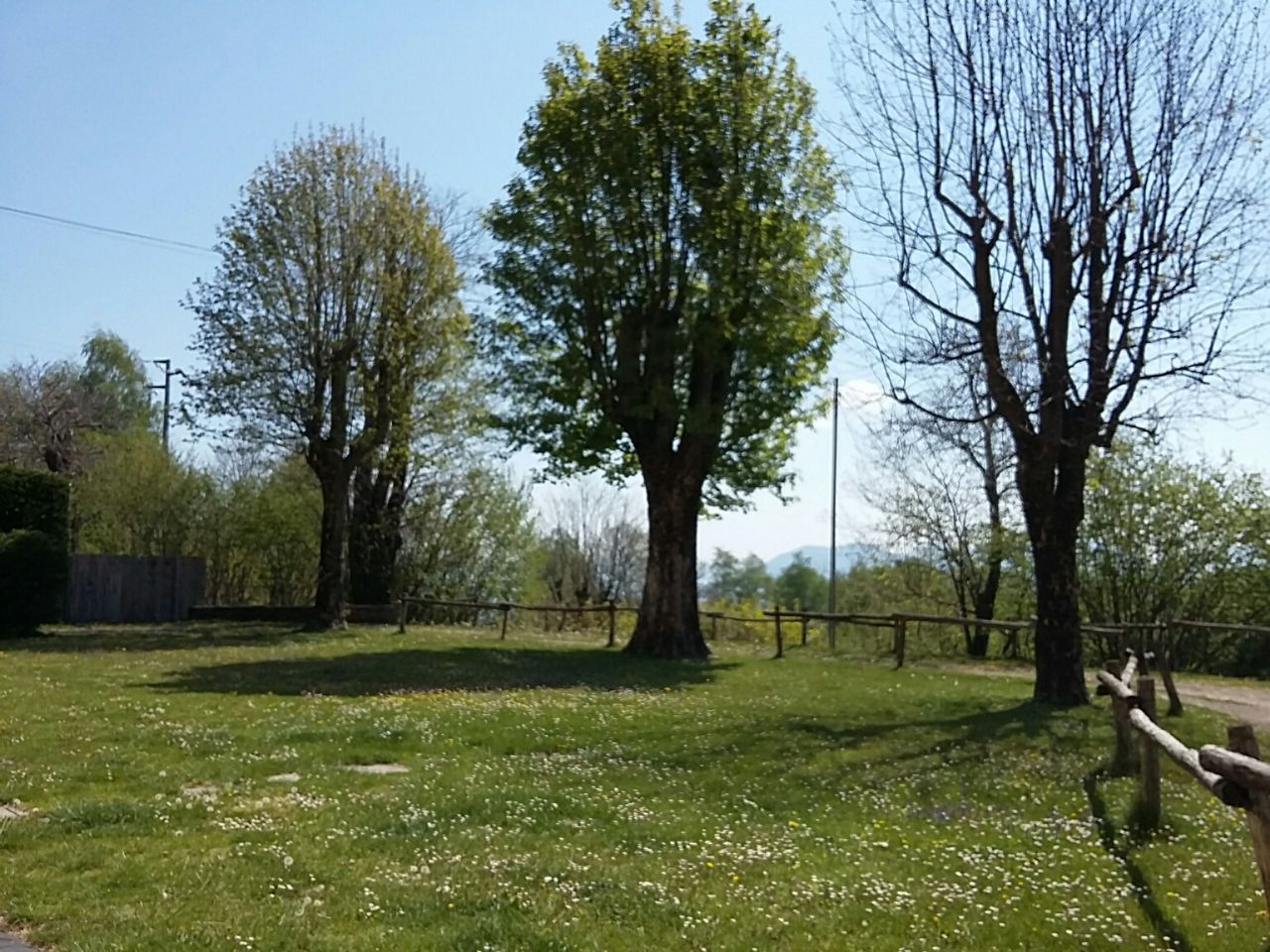 Oggebbio Manegra casa e albergo con giardino