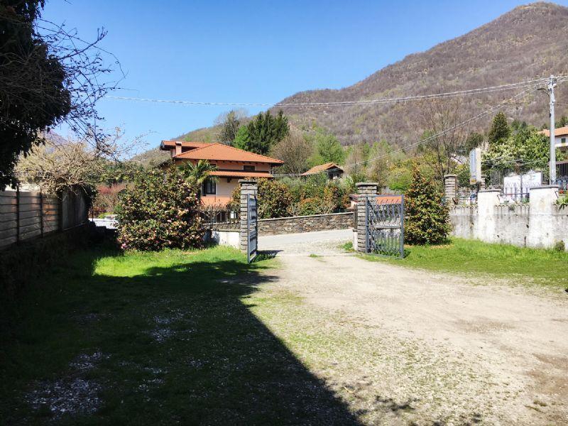 Albergo con ampio giardino da ristrutturare