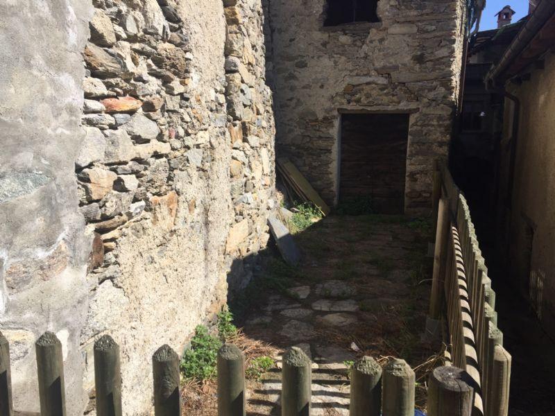 Rustico da ristrutturare a Cassino Cannero Riviera