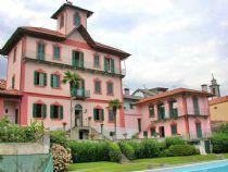 Arizzano, villa d'epoca con stupenda vista lago, parco, piscina e dependance