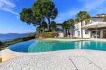 Lussuosa villa direttamente a lago con piscina al Lago Maggiore