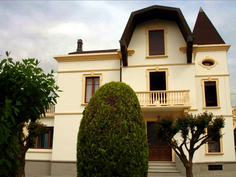 Villa con ampio giardino e vista sul Lago d'Orta