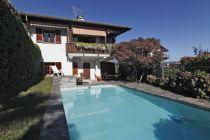 Oggebbio villa unifamiliare vista lago e piscina