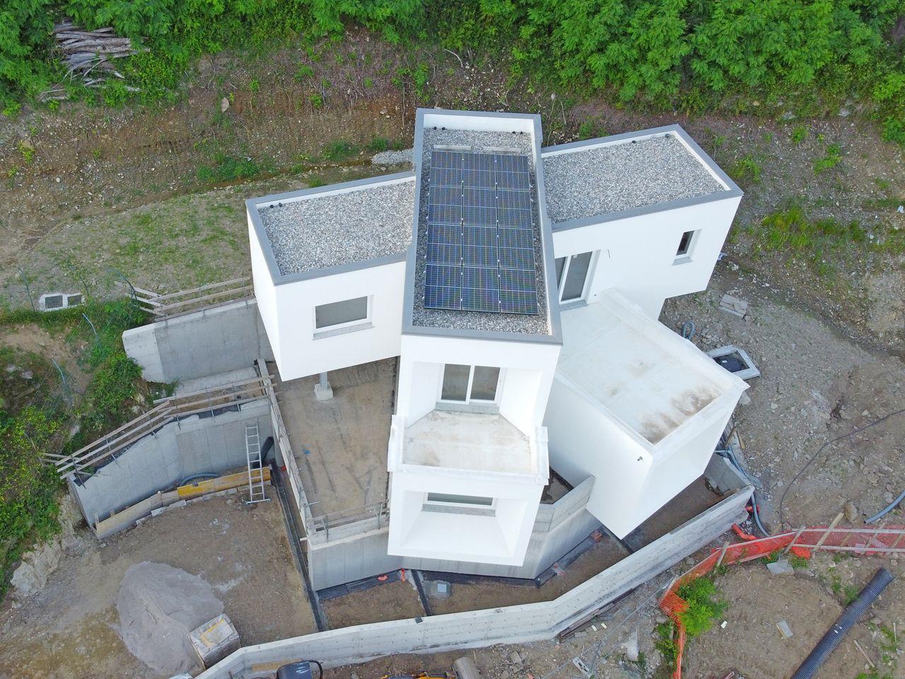 Suna Moderne Villa mit Seeblick