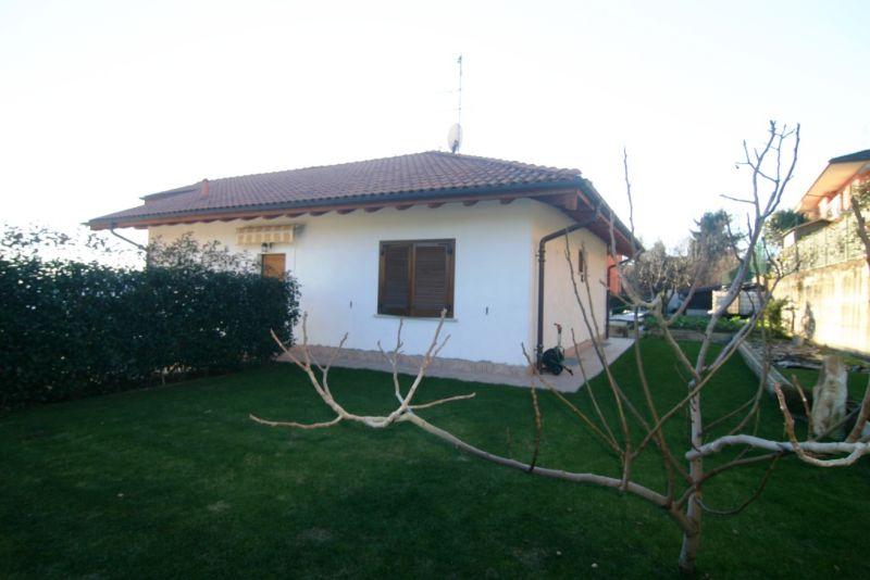 Casa indipendente ad arizzano verbania con giardino e for Case in vendita