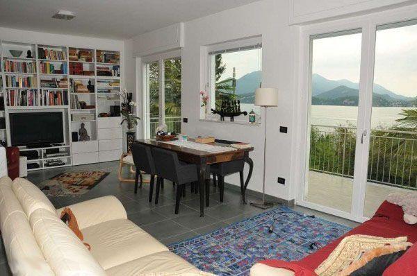 Casa indipendente con giardino e vista lago