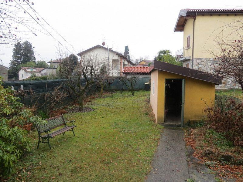 Verbania biganzolo porzione di casa con giardino e vista lago - Casa con giardino torino ...