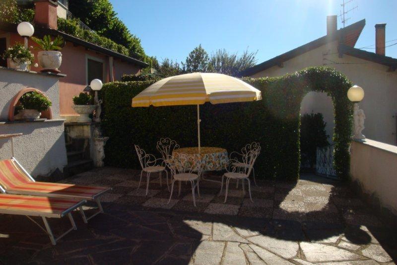 Haus kaufen am Lago Maggiore in Ghiffa mit Seeblick und Garten