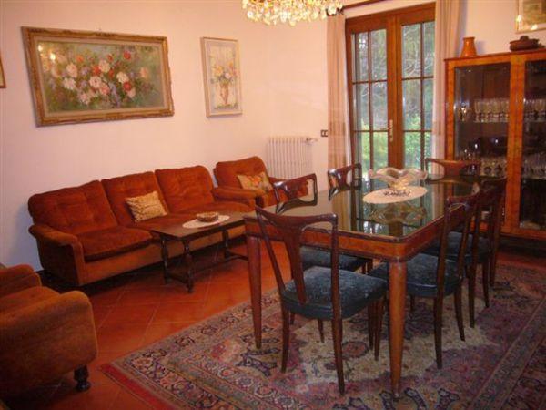 Ghiffa collina casa ristrutturata divisa in due for Lungolago affitto lago cabina grande orso